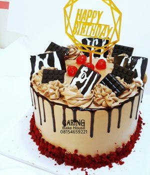 Chocolate Cream Redvelvet Cake N10500 8inc