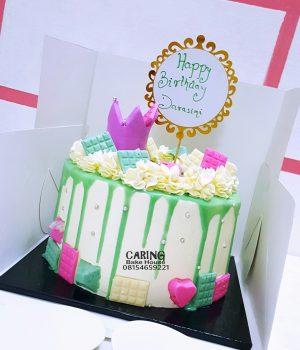 Fun Chocolate and mini Crown cake N9000 8inc For her