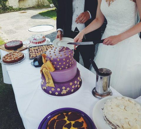 adult-baking-bride-cake-543226